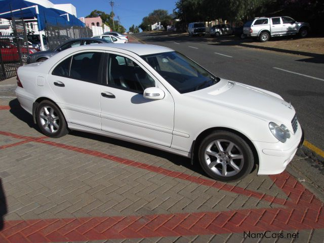 Used mercedes benz c180 2005 c180 for sale windhoek for Www mercedes benz used cars