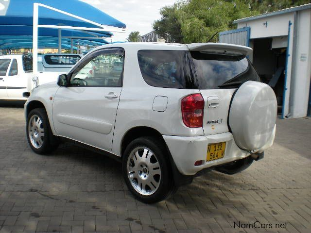 used toyota rav4 4x4 3 door 2005 rav4 4x4 3 door for sale windhoek toyota rav4 2. Black Bedroom Furniture Sets. Home Design Ideas