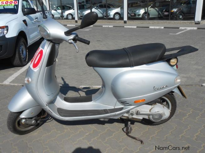 used vespa scooter 2005 scooter for sale swakopmund. Black Bedroom Furniture Sets. Home Design Ideas