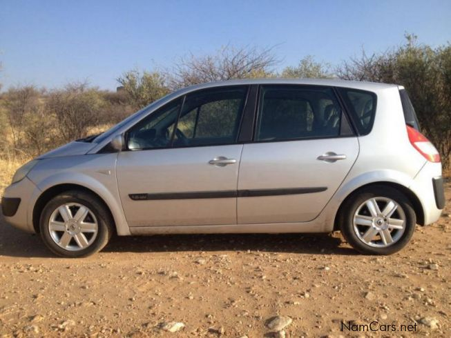 used renault scenic ii expression 1 6 2006 scenic ii expression 1 6 for sale windhoek. Black Bedroom Furniture Sets. Home Design Ideas
