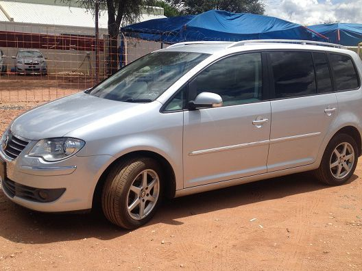 used volkswagen touran 1 4 tsi highline 2008 touran 1 4 tsi highline for sale windhoek. Black Bedroom Furniture Sets. Home Design Ideas