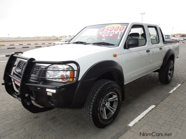 used nissan np300 hardbody 3 2diesel d cab 4x4 2010. Black Bedroom Furniture Sets. Home Design Ideas