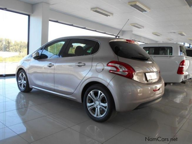 used peugeot 208 1 6 vti allure 5dr 2012 208 1 6 vti allure 5dr for sale windhoek peugeot. Black Bedroom Furniture Sets. Home Design Ideas