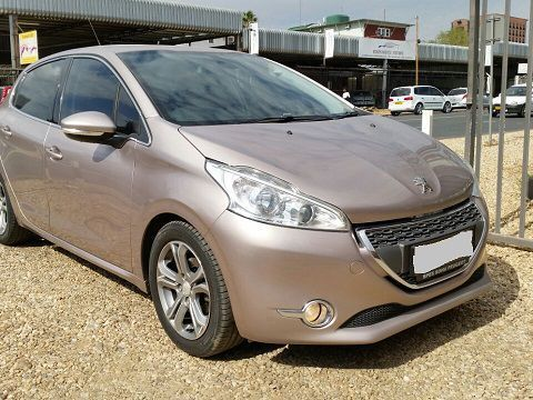 used peugeot 208 allure vti 2012 208 allure vti for sale windhoek peugeot 208 allure vti. Black Bedroom Furniture Sets. Home Design Ideas