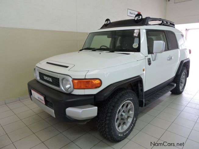 used toyota fj cruiser 4 0 v6 4x4 2012 fj cruiser 4 0 v6. Black Bedroom Furniture Sets. Home Design Ideas