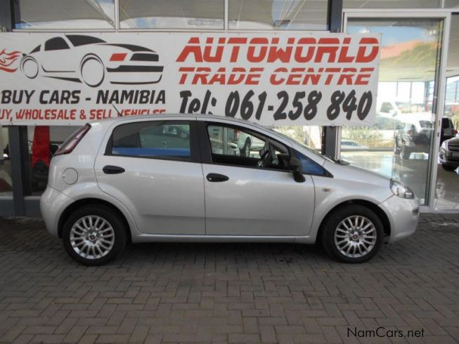 used fiat punto 1 4 pop 5dr 2013 punto 1 4 pop 5dr for. Black Bedroom Furniture Sets. Home Design Ideas