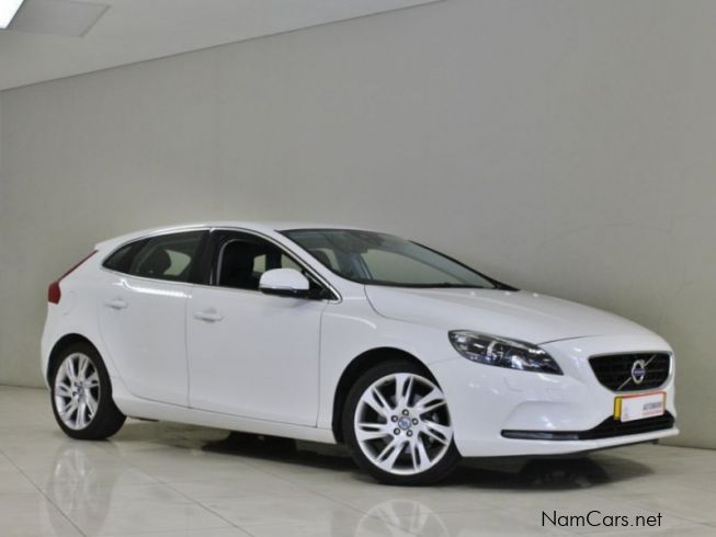 used volvo v40 t3 2013 v40 t3 for sale windhoek volvo. Black Bedroom Furniture Sets. Home Design Ideas