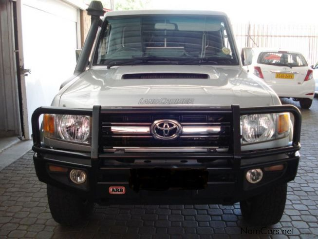 Toyota Land Cruiser LX V8in Namibia