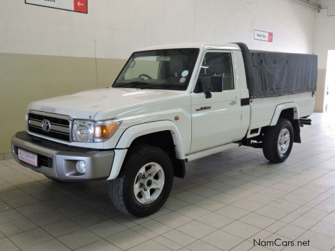 used toyota land cruiser pick up 2014 land cruiser pick up for sale walvis bay toyota land. Black Bedroom Furniture Sets. Home Design Ideas