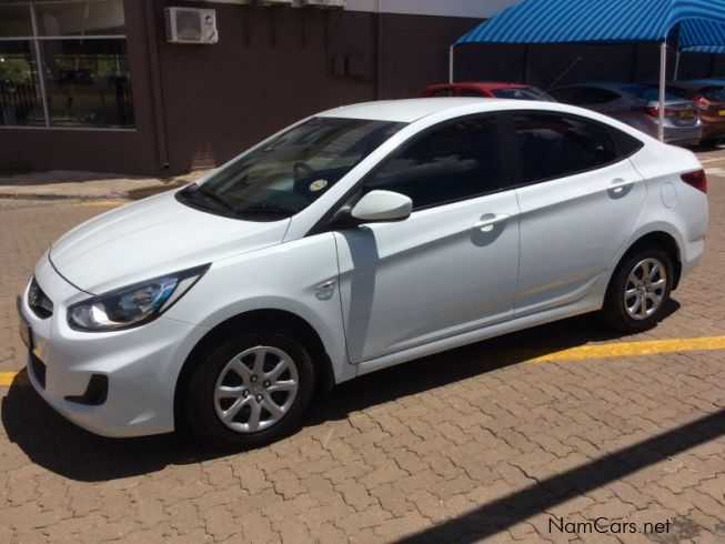 used hyundai accent 1 6 motion manual 2015 accent 1 6 motion manual for sale windhoek. Black Bedroom Furniture Sets. Home Design Ideas