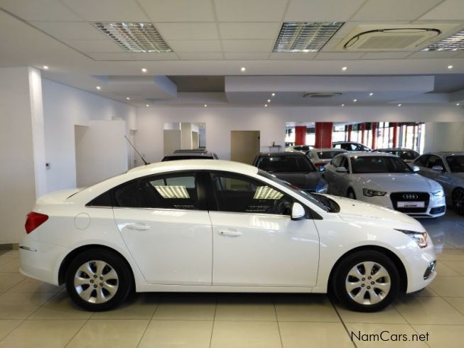 Chevrolet Cruze 1.6 LS Manual Sedan in Namibia