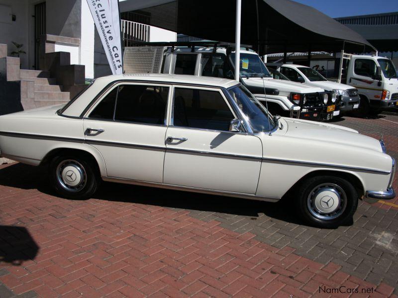 used mercedes benz w115 200 d sedan manual 1975 w115 200 d sedan manual for sale windhoek. Black Bedroom Furniture Sets. Home Design Ideas