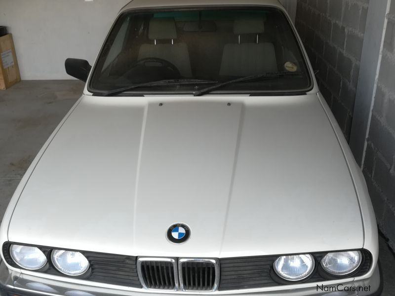 BMW 318i e30 in Namibia