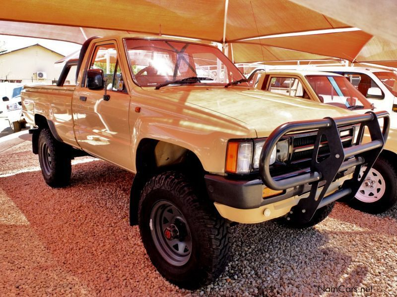 used toyota hilux 1986 hilux for sale windhoek toyota. Black Bedroom Furniture Sets. Home Design Ideas