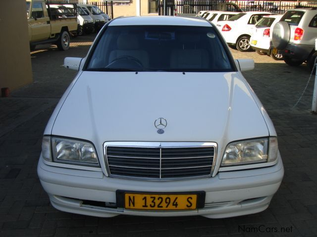 Used mercedes benz c180 1990 c180 for sale windhoek for Used mercedes benz cars for sale