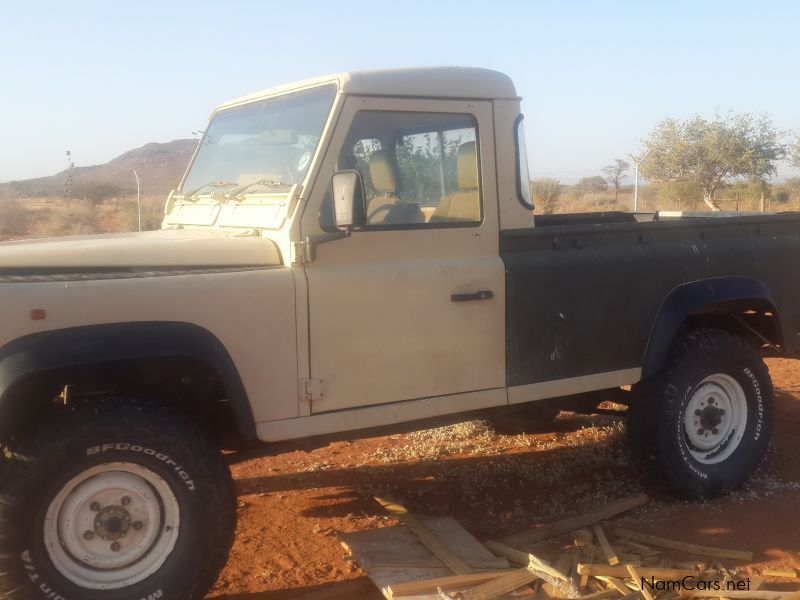 Land Rover 110 V8 Defender Pickup 4x4 in Namibia