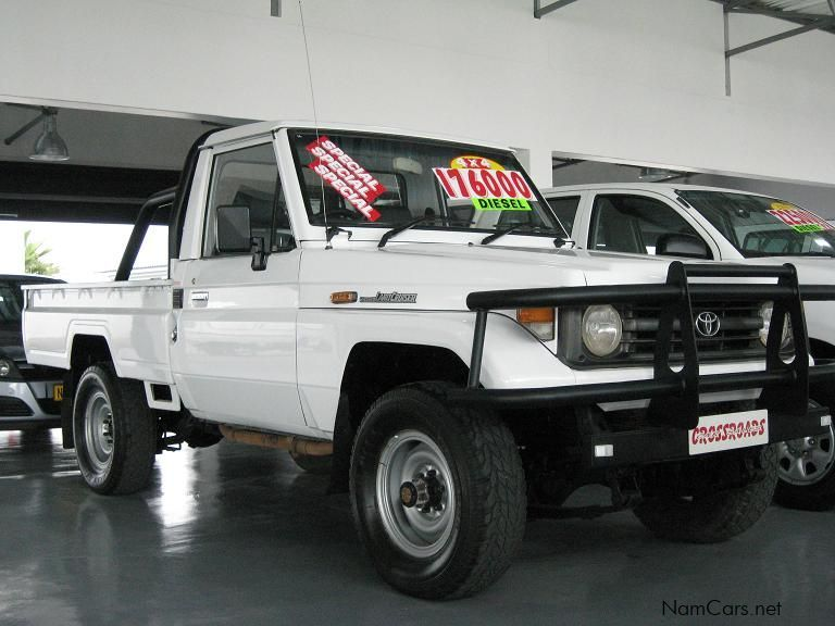 used toyota land cruiser pick up 4 2 diesel 1997 land. Black Bedroom Furniture Sets. Home Design Ideas