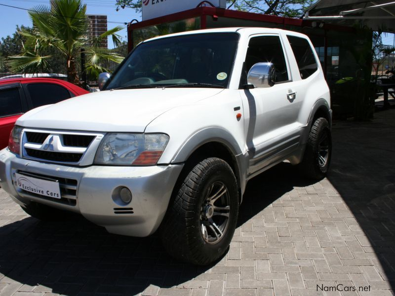 used mitsubishi pajero 3 2 tdi a t 4x4 3 door 2000 pajero 3 2 tdi a t 4x4 3 door for sale. Black Bedroom Furniture Sets. Home Design Ideas