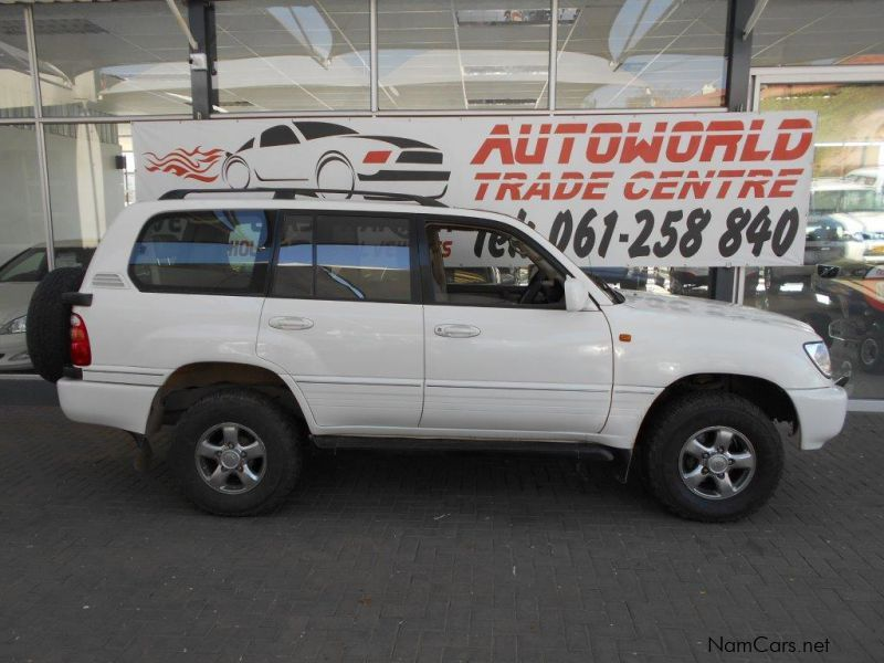 used toyota land cruiser 100 series sw 4x4 2002 land cruiser 100 series sw 4x4 for sale. Black Bedroom Furniture Sets. Home Design Ideas