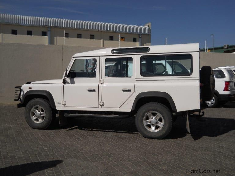 used land rover defender 110 2 5 td5 csw 2003 defender 110 2 5 td5 csw for sale windhoek. Black Bedroom Furniture Sets. Home Design Ideas