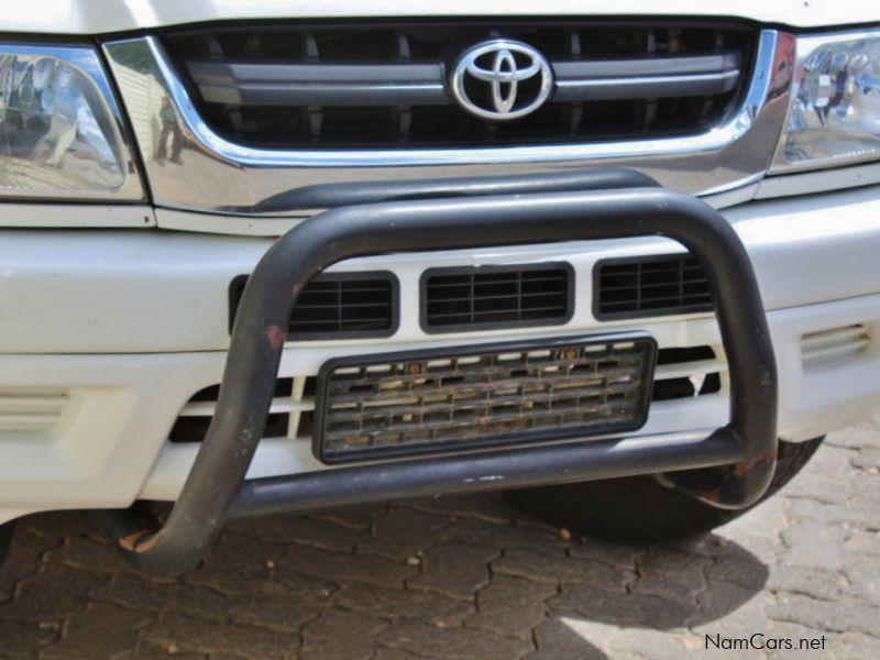 2003 Toyota Hilux car Photos - Manual Transmissions - 367772 km milage