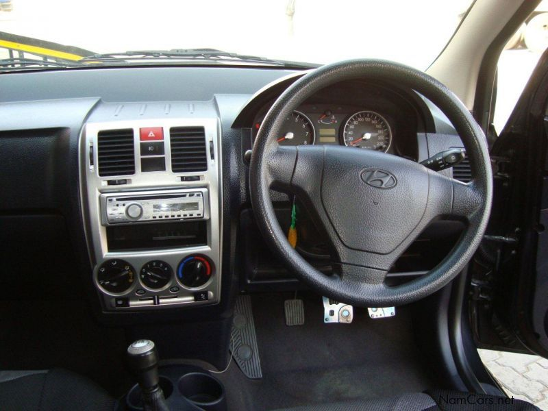 used hyundai getz 1 6 2004 getz 1 6 for sale windhoek hyundai getz 1 6 sales hyundai getz. Black Bedroom Furniture Sets. Home Design Ideas