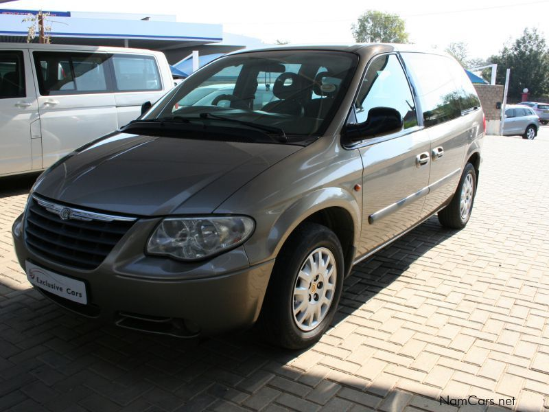 used chrysler voyager 2 4 manual 7 seater local 2005 voyager 2 4 manual 7 seater local for. Black Bedroom Furniture Sets. Home Design Ideas