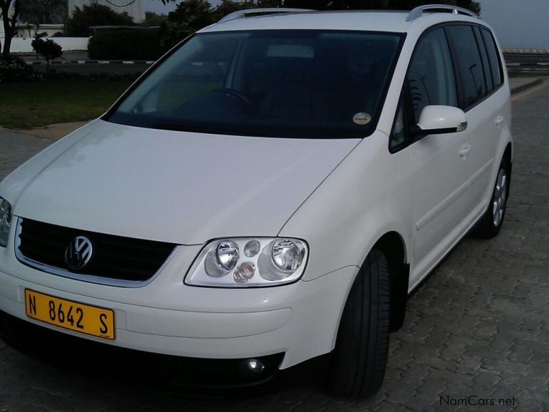used volkswagen touran 2 0tdi dsg 2005 touran 2 0tdi dsg for sale otjiwarongo volkswagen. Black Bedroom Furniture Sets. Home Design Ideas