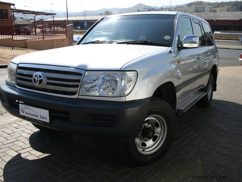 Used Toyota Landcruiser 100 Series 4 2 Diesel Manual Local