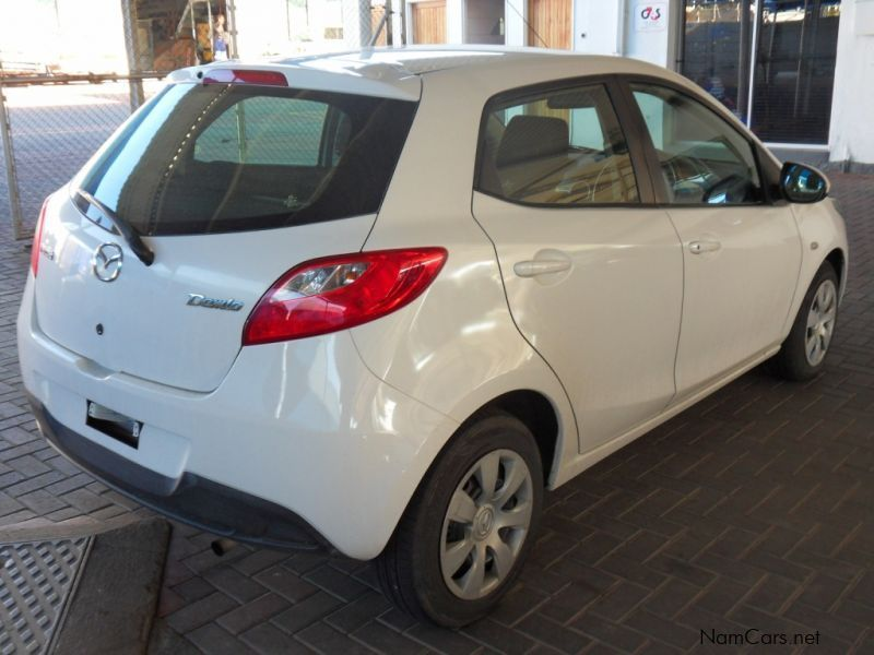 https://www.namcars.net/image/2009-Mazda-Demio-(Mazda-2)-1.3-Individual-25613-5614611_6.jpg