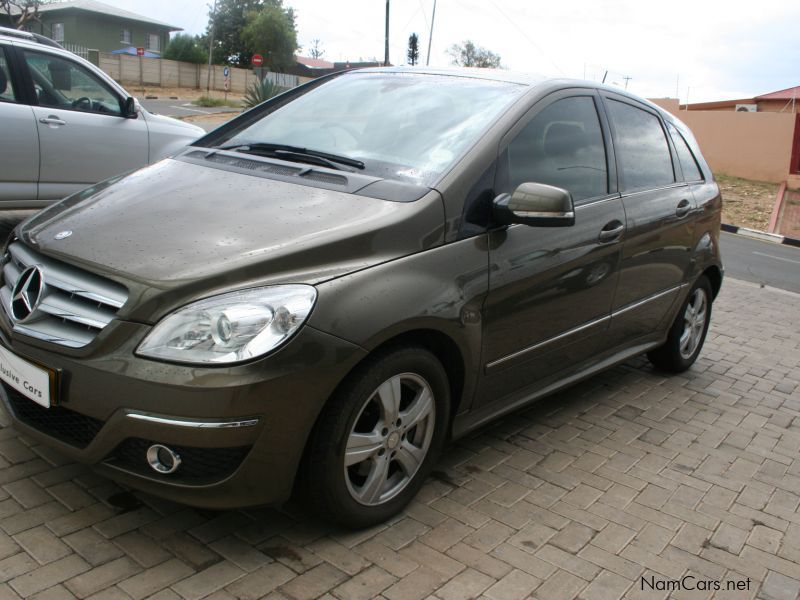 Used mercedes benz b200 t a t local 2009 b200 t a t for Mercedes benz used vehicles