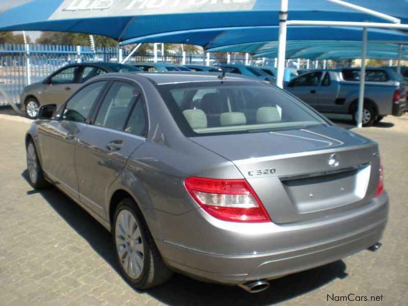 used mercedes benz c320 cdi elegance auto 2009 c320 cdi elegance auto for sale windhoek. Black Bedroom Furniture Sets. Home Design Ideas