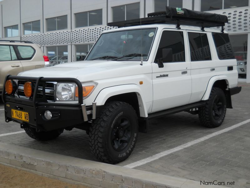 used toyota land cruiser 4 2d 70 sw 2009 land cruiser 4 2d 70 sw for sale swakopmund toyota. Black Bedroom Furniture Sets. Home Design Ideas
