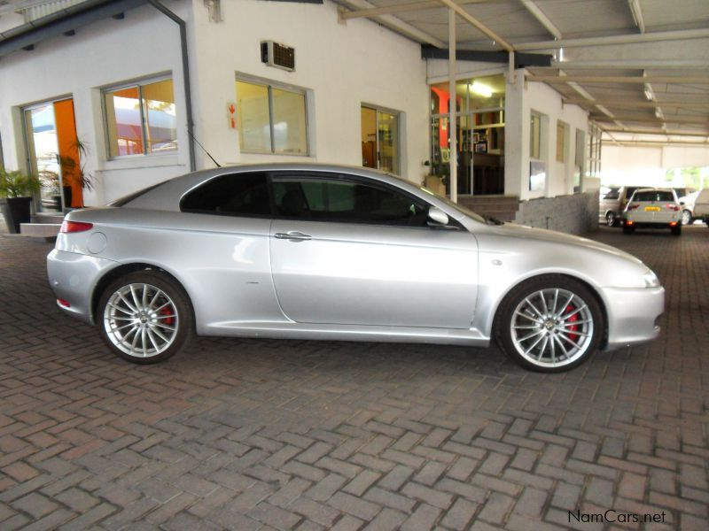 used alfa romeo gt 3 2 v6 distinctive 2010 gt 3 2 v6 distinctive for sale windhoek alfa. Black Bedroom Furniture Sets. Home Design Ideas
