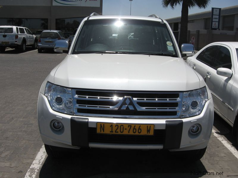 used mitsubishi pajero 3 2 did lwb 2010 pajero 3 2 did lwb for sale walvis bay mitsubishi. Black Bedroom Furniture Sets. Home Design Ideas