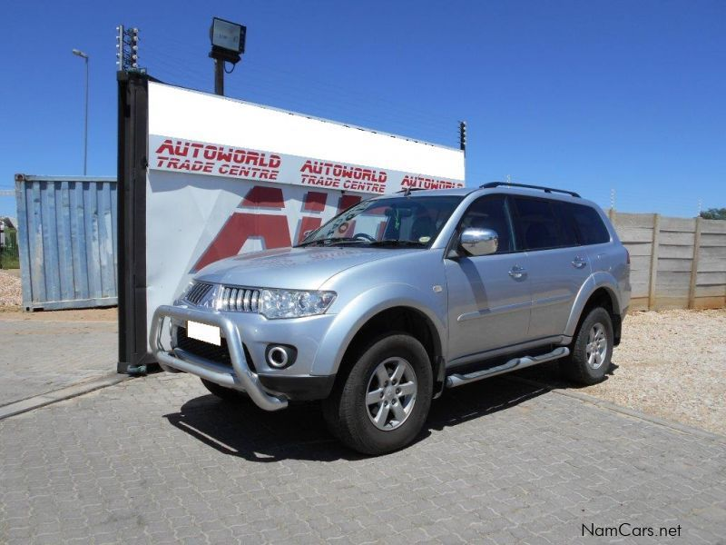 used mitsubishi pajero sport 3 2 di d gls 2010 pajero sport 3 2 di d gls for sale windhoek. Black Bedroom Furniture Sets. Home Design Ideas