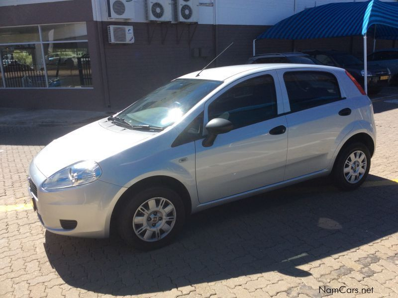 used fiat punto 1 2 active 5 dr a c 2011 punto 1 2 active 5 dr a c for sale windhoek fiat. Black Bedroom Furniture Sets. Home Design Ideas