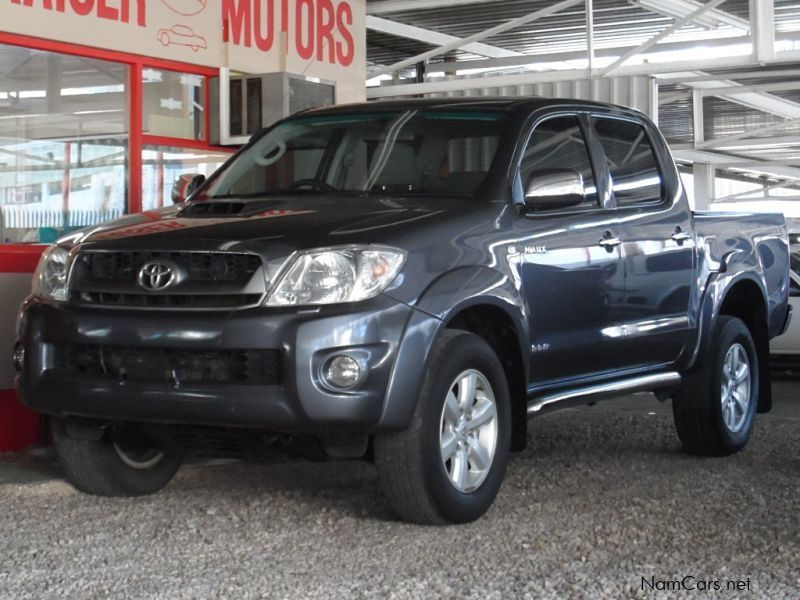 Used Toyota Hilux invincible   2011 Hilux invincible for