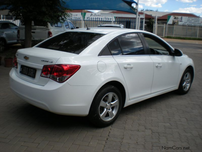 used chevrolet cruze 1 8 ls 2012 cruze 1 8 ls for sale windhoek chevrolet cruze 1 8 ls sales. Black Bedroom Furniture Sets. Home Design Ideas