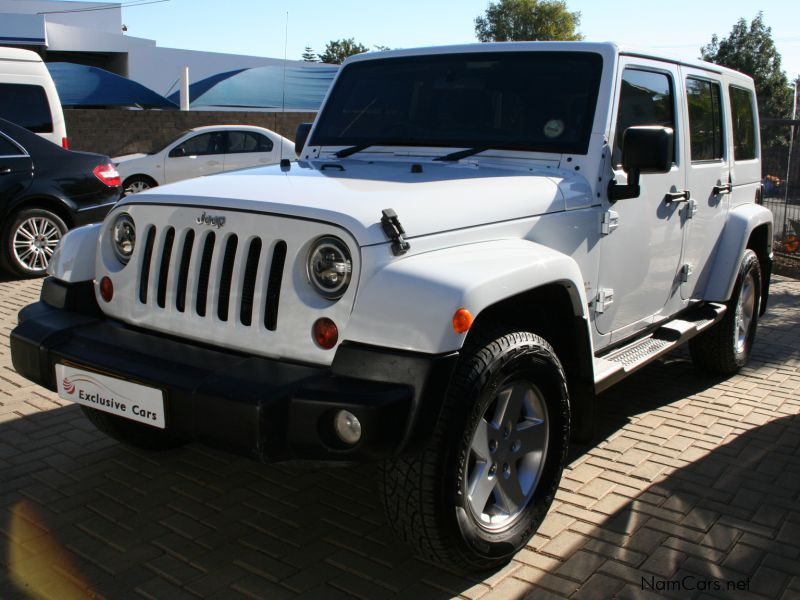used jeep wrangler sahara 3 6 v6 a t 4x4 2012 wrangler. Black Bedroom Furniture Sets. Home Design Ideas