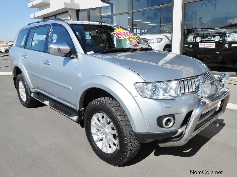 used mitsubishi pajero sport 3 2 4x4 suv 2012 pajero sport 3 2 4x4 suv for sale swakopmund. Black Bedroom Furniture Sets. Home Design Ideas