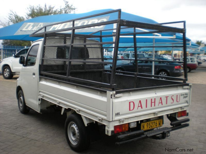 Used Daihatsu Grand Max 1 5i High Spec