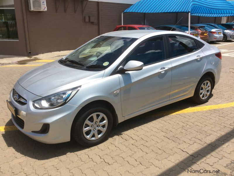 used hyundai accent 1 6 motion manual 2013 accent 1 6. Black Bedroom Furniture Sets. Home Design Ideas