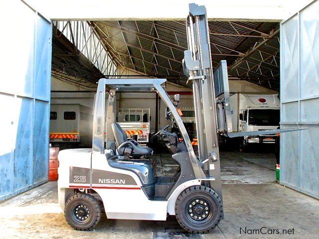 Four Way Side Loader Forklift Mitsubishi Rbm2025k Series: 2013 Forklift 25 For Sale