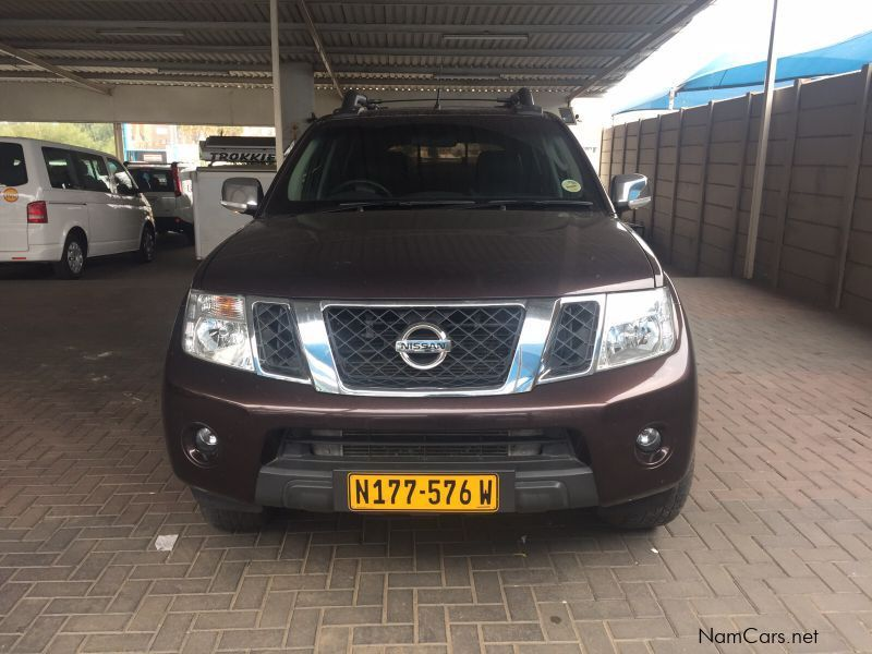 used nissan navara 3 0 le d c v6 4x4 2013 navara 3 0 le d c v6 4x4 for sale windhoek nissan. Black Bedroom Furniture Sets. Home Design Ideas