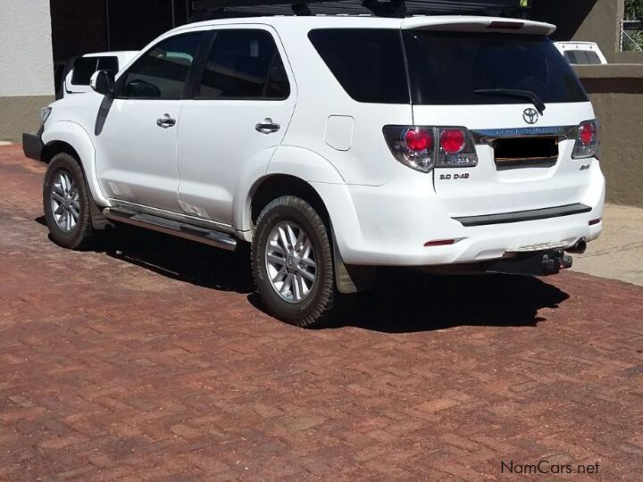 used toyota fortuner 3 0 d4d a t 4x4 2013 fortuner 3 0 d4d a t 4x4 for sale windhoek toyota. Black Bedroom Furniture Sets. Home Design Ideas