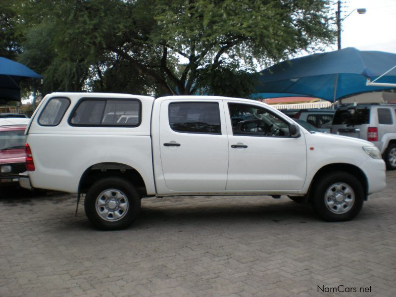 used toyota hilux 2 5 d4d 4x4 d cab 2013 hilux 2 5 d4d 4x4 d cab for sale windhoek toyota. Black Bedroom Furniture Sets. Home Design Ideas