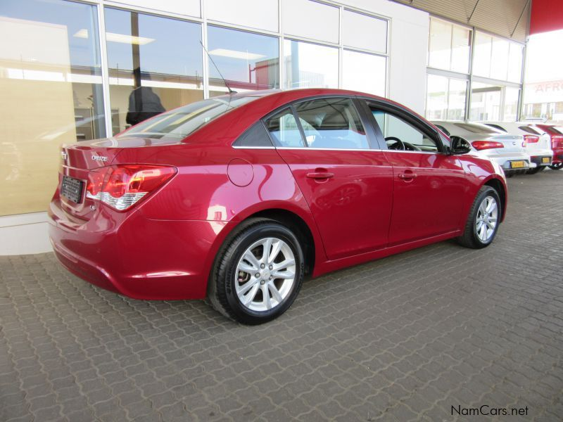 used chevrolet cruze 1 4t sedan 2014 cruze 1 4t sedan for sale windhoek chevrolet cruze 1 4t. Black Bedroom Furniture Sets. Home Design Ideas