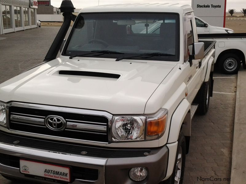 Old Toyota Land Cruiser >> Used Toyota Land Cruiser 4.5 V8 D4D | 2014 Land Cruiser 4 ...