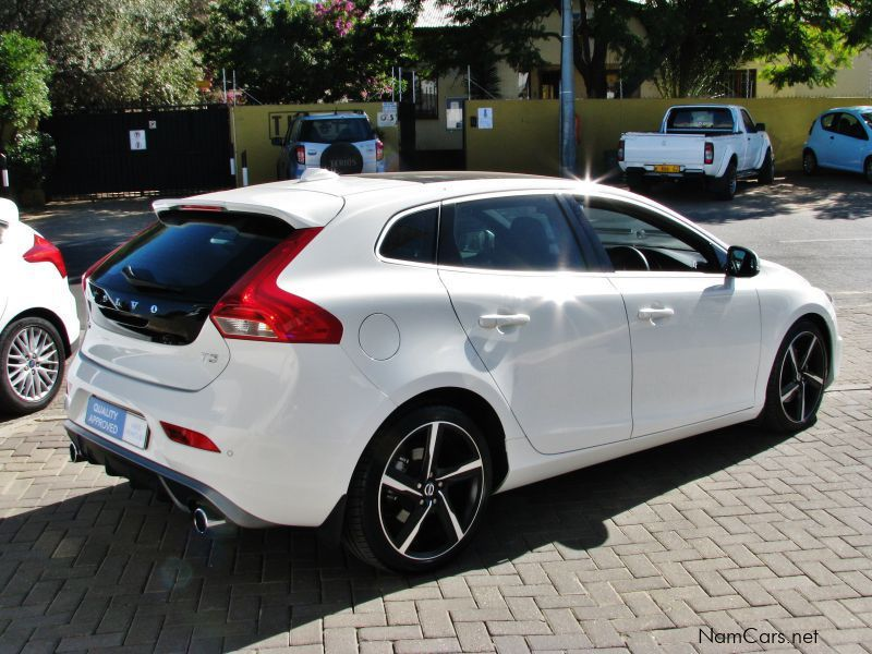 used volvo v40 t3 2014 v40 t3 for sale windhoek volvo. Black Bedroom Furniture Sets. Home Design Ideas